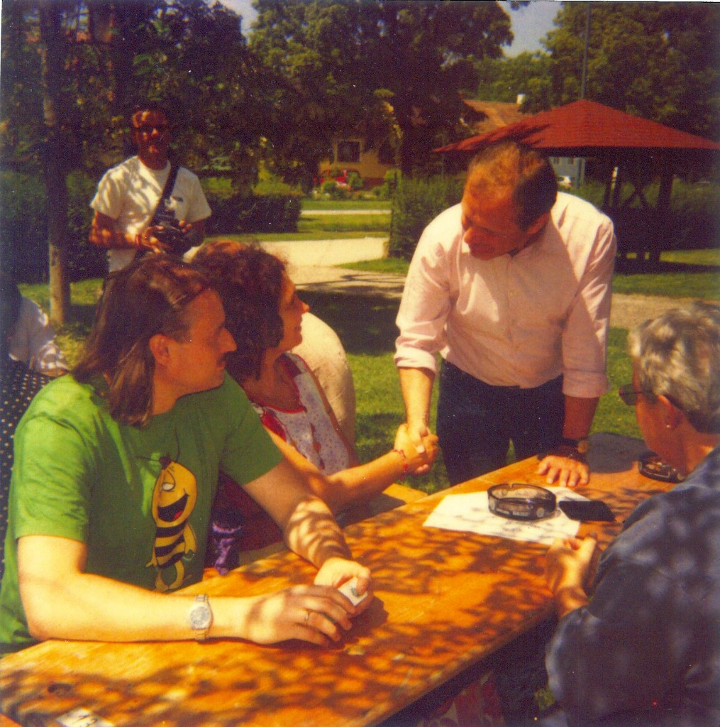 Handshake mit Ernst Strasser